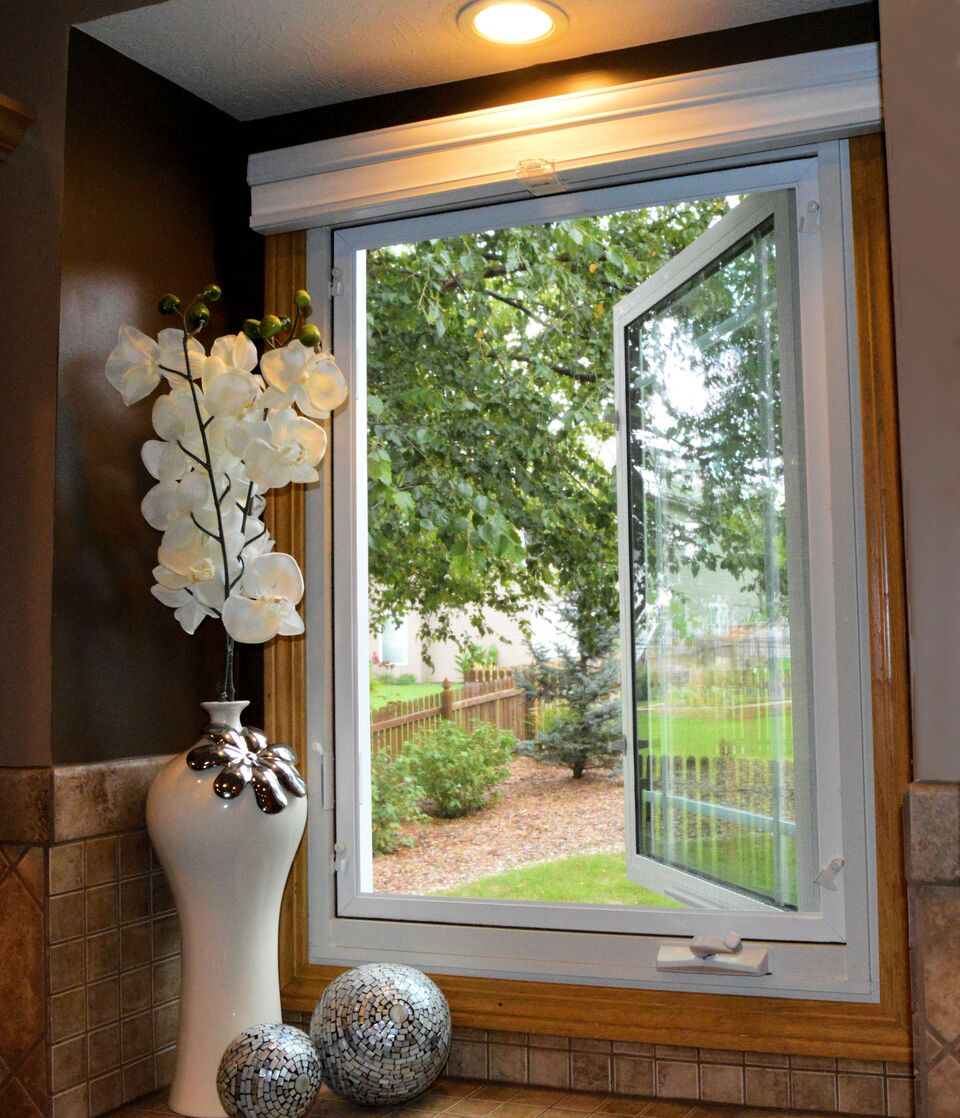 Casement bristol windows nebraska for Vinyl casement windows